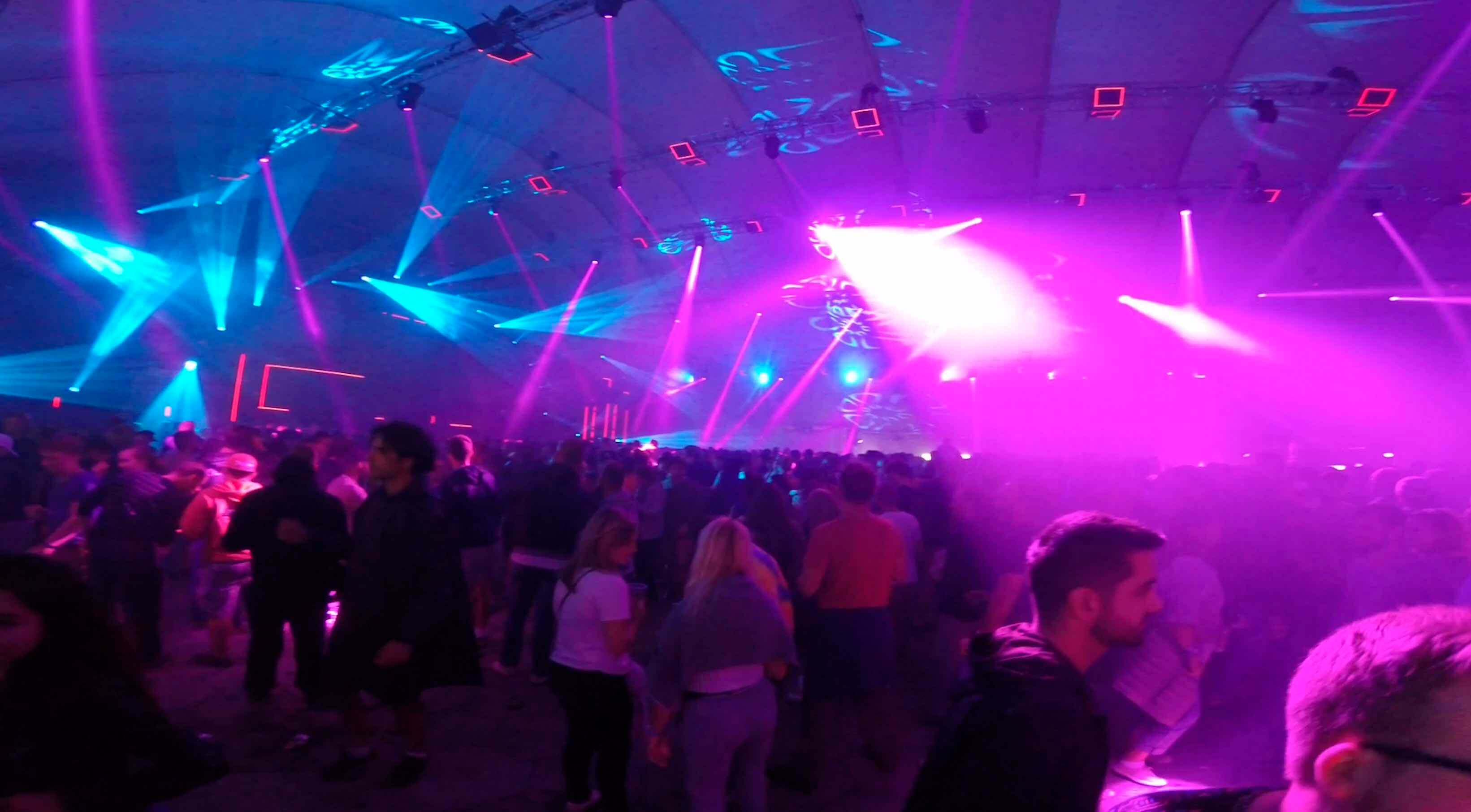 #SzigetDay 4 – Un chapiteau grand comme un Zenith !